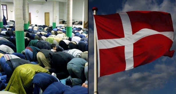 dannebrog muslim Dannebrog på kryds 110924 dkk 35,00 før pris:  som et indkørsel forbut, blot med en muslim størrelse 7,5 cm i diameter spar 22% mærke med din egen tekst.