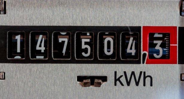 Den Korte Avis | EL-Forbundet: Der er overpriser på strøm – få gode råd til at skære 2.000 kr ...