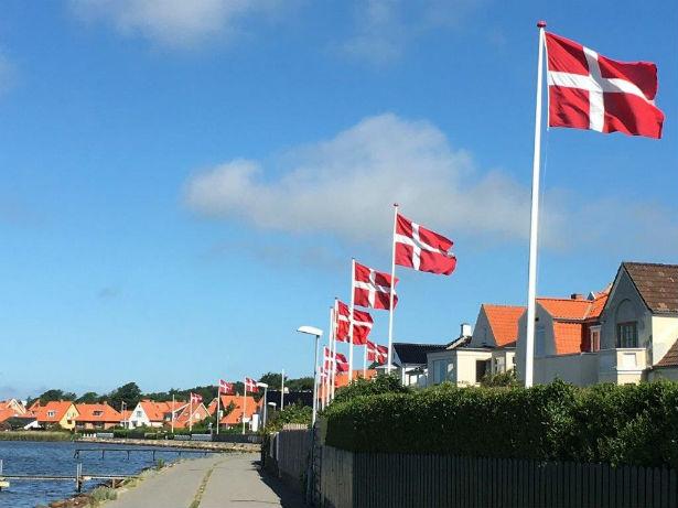 Corona-krisen: Danskerne sætter embedsmændene på plads