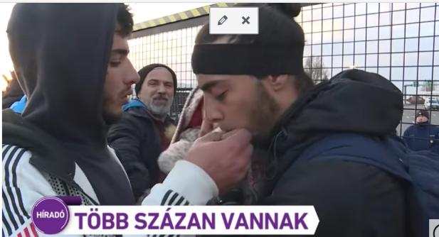 Hundredevis af migranter forsøger at storme Ungarns grænse...